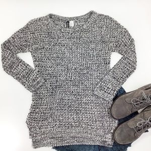 DIVIDED BY H&M NUBBY BLACK & GRAY ACRYLIC SWEATER